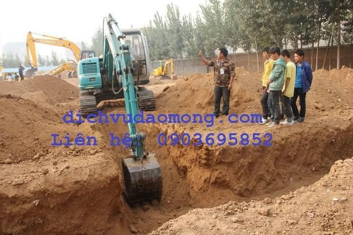 đào đất bằng máy